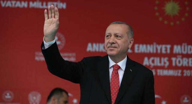 Erdoğan'ın Konuşması Ortasında Ortamı Terk Ettiler