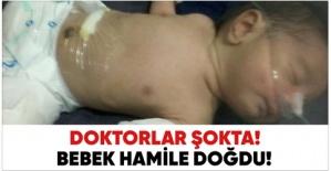 Doktorlar şok oldu. Bebek 'hamile' doğdu!