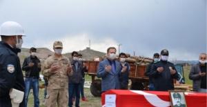 Şehit Komiser Natık Karadeniz'in mezarı taşınırken naaşı duygulandırdı