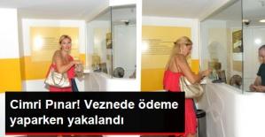 Pınar Altuğ, Valeye Para Vermemek İçin Otopark Ücretini Elden Ödedi