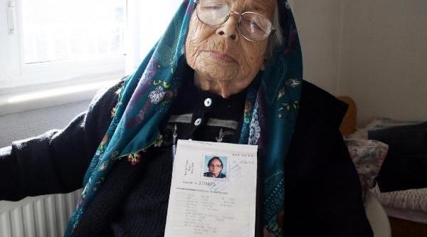 103 Yaşindaki Fatma Nine'nin Uzun Yaşam Sirri