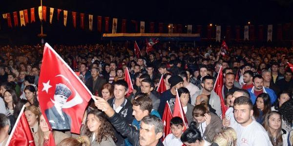 10 Bin Sinoplu Cumhuriyet Için Yürüdü