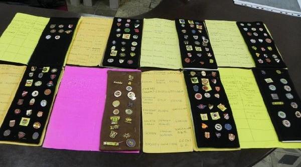 10 Yillik Rozet Koleksiyonunu Müzeye Bağişladi