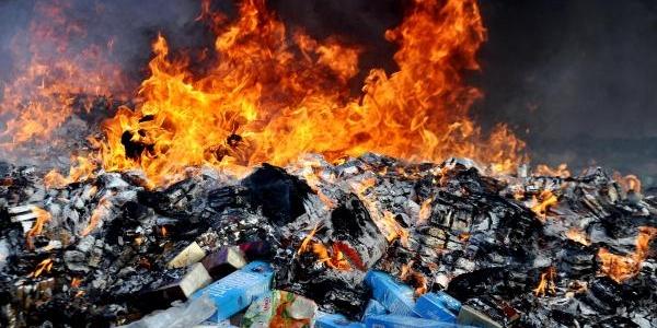 119 Bin Paket Kaçak Sigara Yakilarak Imha Edildi