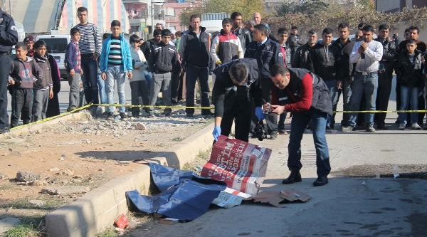 12 Yaşindaki Hilal'in Öldüğü Kaza Güvenlik Kamerasinda