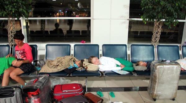 13'ü Çocuk 44 Rus Turist, Antalya'da Mahsur Kaldı
