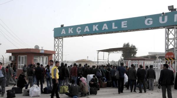 150 Suriyeli Sığınmacı, Akçakale'den Ülkelerine Döndü