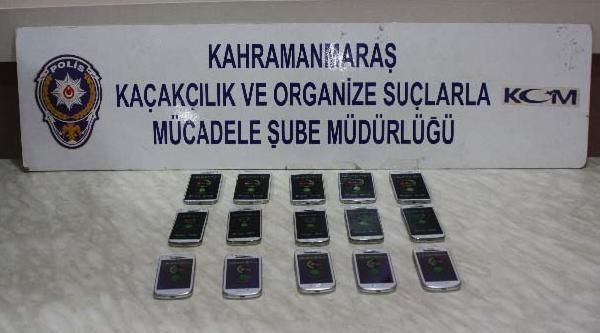 15 Kaçak Cep Telefonu İle Yakalandı