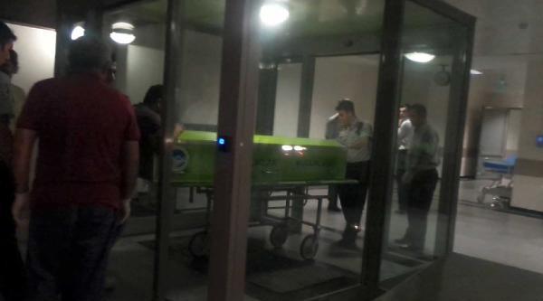 16 Yaşındaki Genç, Babasını Uyurken Baltayla Öldürüp Kaçtı