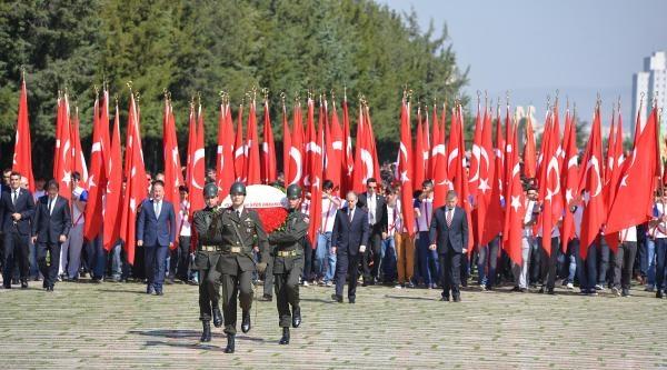 19 Mayıs Atatürk'ü Anma Gençlik Ve Spor Bayramı Nedeniyle Anıtkabir'de Tören (2)