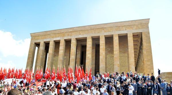 19 Mayıs Atatürk'ü Anma Gençlik Ve Spor Bayramı Nedeniyle Anıtkabir'de Tören / Ek Fotoğraflar