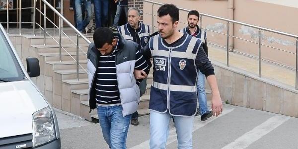 1 Ton Esrari Torbacilara Satamadan Tutuklandilar