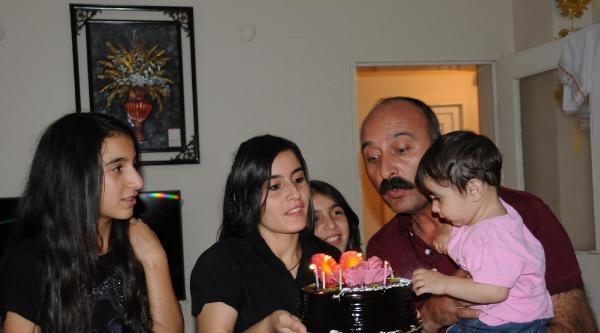 1 Yaşındaki Bebek Kürdıstan'a Doğum Günü Kutlaması