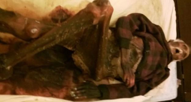 1 yıl boyunca kocasının cesediyle uyudu!