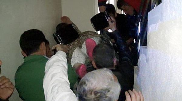 200 Kiloluk Kadin Hastaneye Götürülürken Düşürüldü