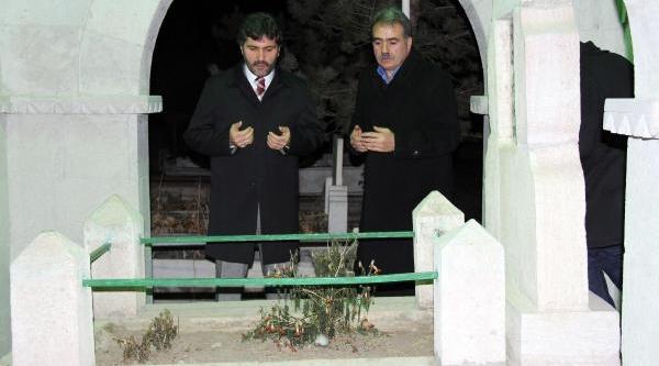 2014'E Mezarlikta Girdiler