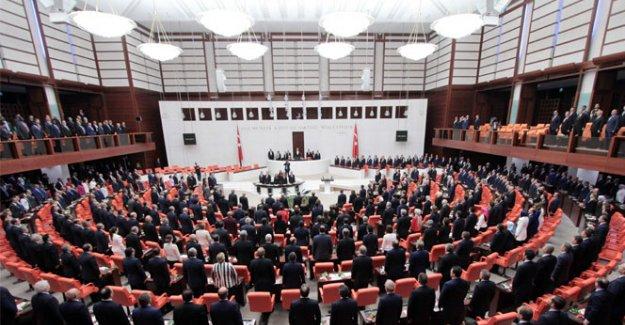 AK Parti ve CHP'nin koalisyon heyetleri belli oldu