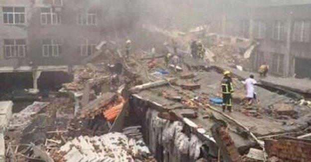 Ayakkabı fabrikası çöktü: 14 kayıp