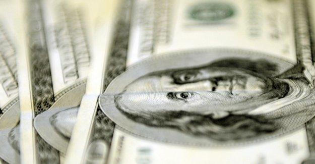 Dolar 2,71'i aştı
