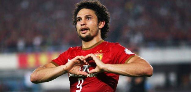 Galatasaray Brezilyalı golcüyle anlaştı!