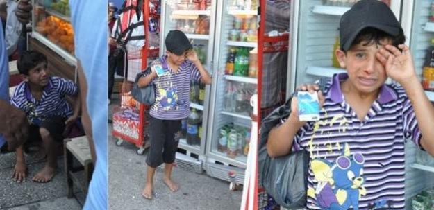 İzmir'de mendil satan Suriyeli çocuğa dayak