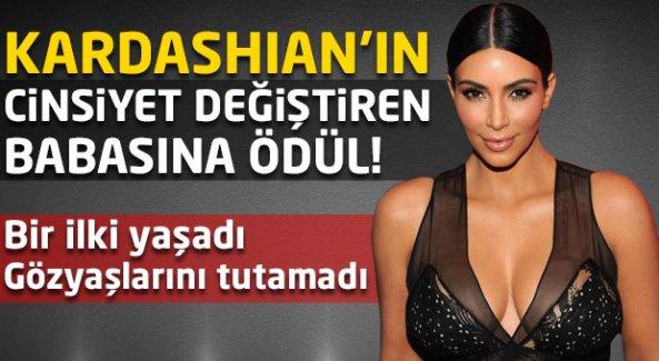 Kardashian'ın cinsiyet değiştiren babasına ödül!