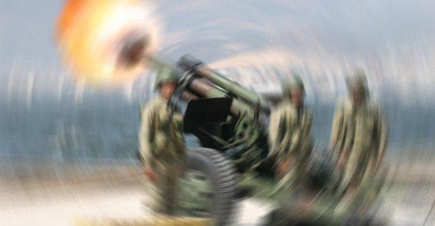 Şemdinli'de PKK'ya top atışı