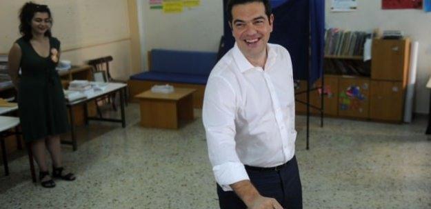Yunanistan'da referandum sonucu bekleniyor
