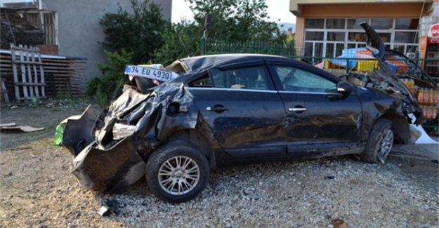 1.5 yaşındaki bebek kazada araçtan fırlayarak can verdi!
