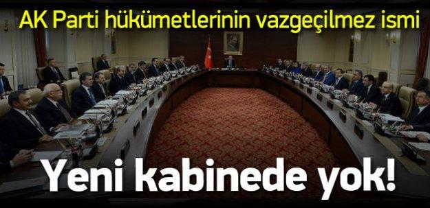 AK Parti hükümetlerinin değişmez bakanı gitti!