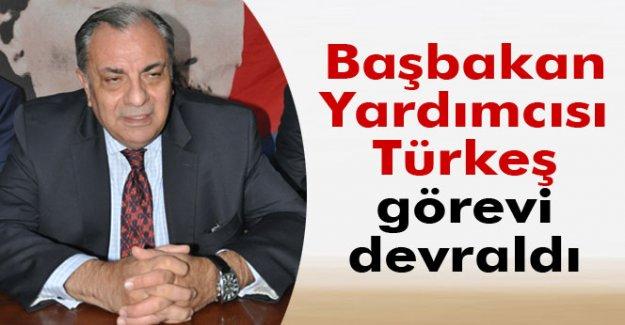 Arınç, Başbakan yardımcılığı görevini Türkeş'e devretti