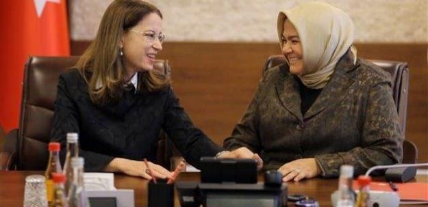 Ayşen Gürcan bakanlık görevini devraldı