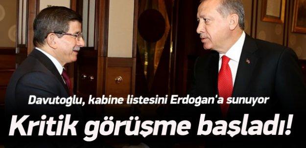 Başbakan Davutoğlu yeni hükümeti açıklayacak
