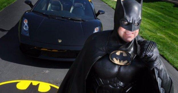 Batman trafik kazasında hayatını kaybetti!