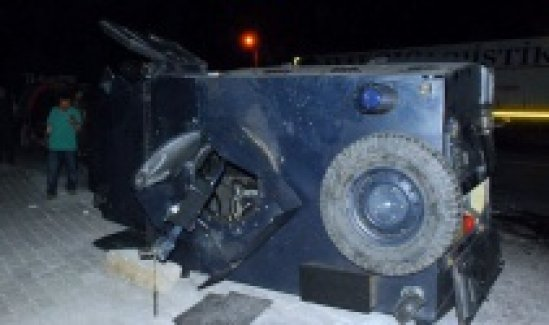 Bitlis'te polis noktasına saldırı