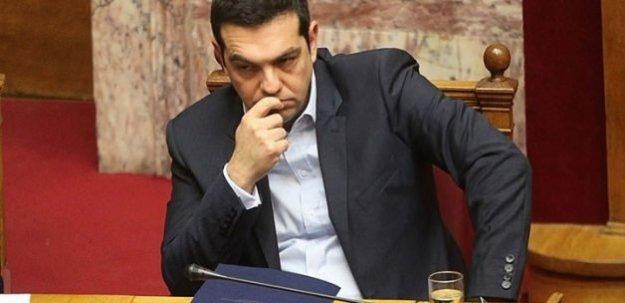 Çipras'ın partisi SYRIZA bölündü