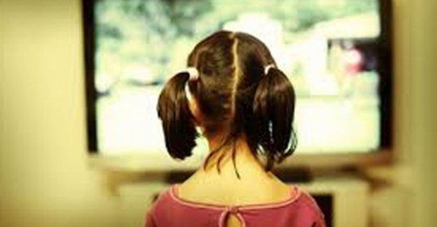 Çocuğunuz yüksek sesle TV izliyorsa dikkat!