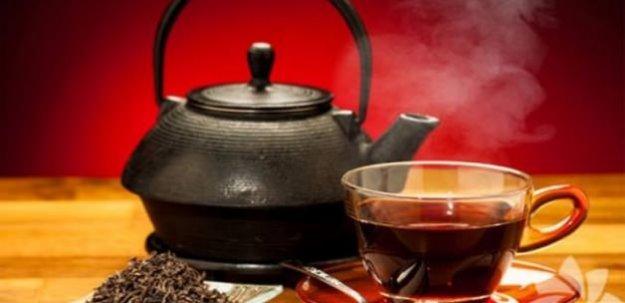 Demlikte kalan çayı sakın atmayın! Her derde deva!