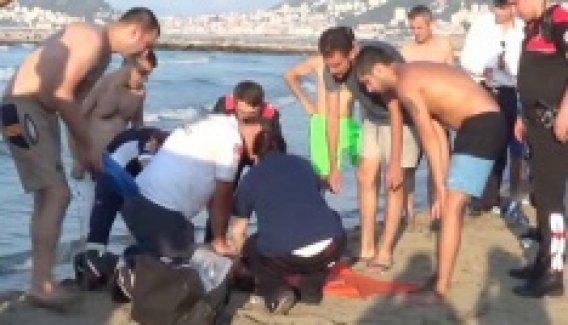 Giresun'da dalgalara kapılan 3 kişiden biri öldü