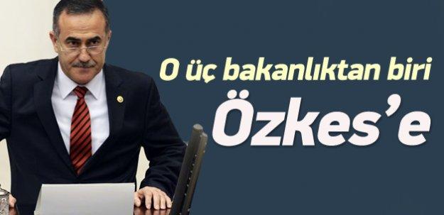 İhsan Özkes'e Bakanlık yolu gözüktü