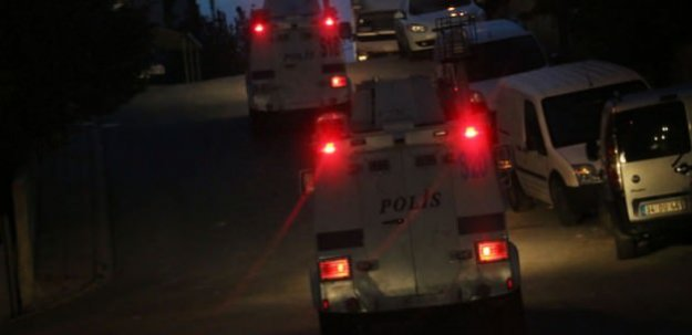 İstanbul Ümraniye'de şafak operasyonu