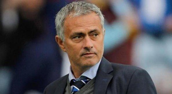 Jose Mourinho imzayı attı!