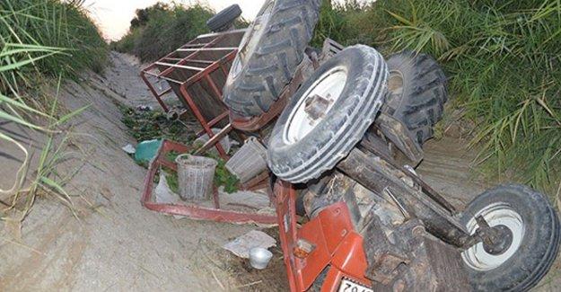 Manisa'da iki traktör su kanalına uçtu: 19 yaralı