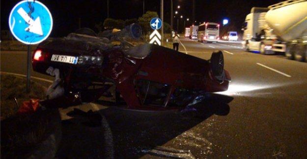 Otomobil çarpmanın etkisiyle takla attı: 11 yaralı!