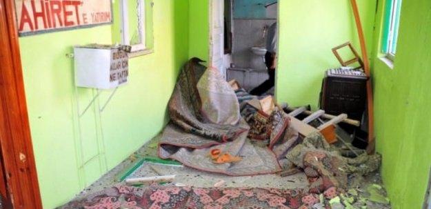 PKK'nın bombası cami yıktı
