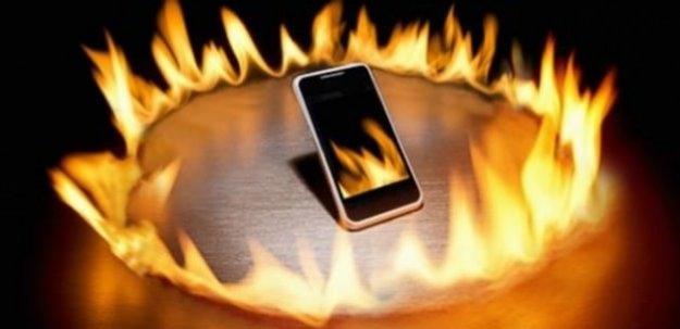 Sıcak havada dikkat: Cep telefonunuz patlayabilir