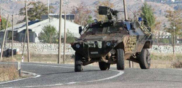 Siirt'te Jandarma Karakolu'na el bombalı saldırı