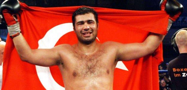 Sinan Şamil Sam yaşam savaşı veriyor!