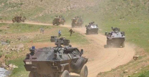 Sınırda gün boyu askeri sevkiyat yapıldı