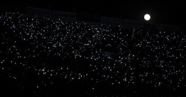 Stadyum karanlığa gömüldü